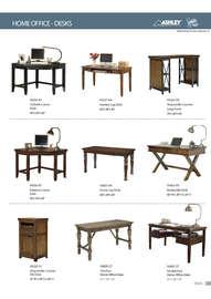 sillas estantes y escritorios